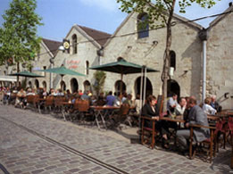 Cour Saint Emilion in Bercy Village