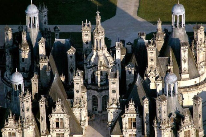 The terrace and chimneys of Chambord