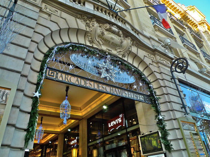 Fashionable Shops In Paris