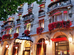 Paris hotels near Champs Elysees: Plazza Athenee