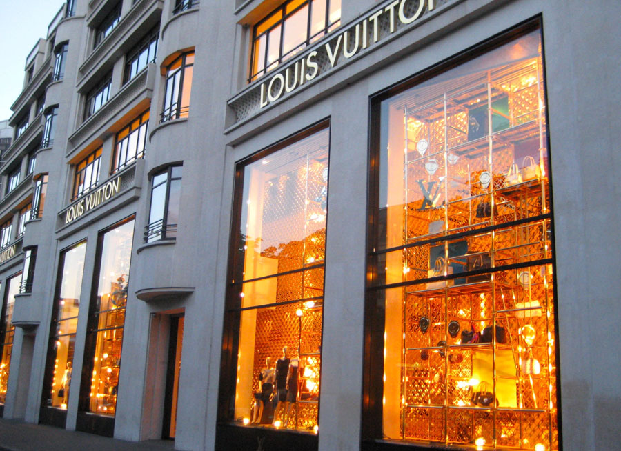 Champs elysees stores and shops best affordable restaurants - Paris shopping boutiques ...
