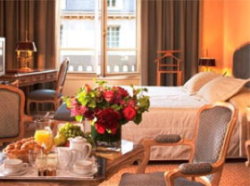 Paris hotels near Champs Elysees: Chateau Frontenac