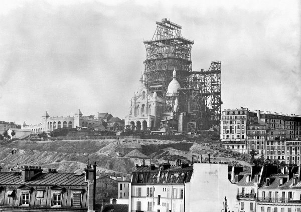 Construction of Sacré-Coeur in Montmartre