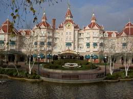 Disneyland Paris information: Book Disneyland Paris hotel