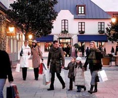 Disneyland Paris information: La Vallee Village near Disneyland Paris
