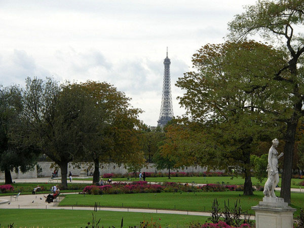 Famous gardens in paris for Jardin jardin tuileries