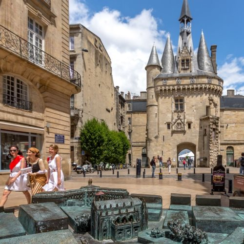 Discover the beautiful city of Bordeaux