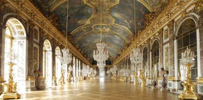 Hall of Mirrors facts  Mirrors and ceiling  Versailles facts