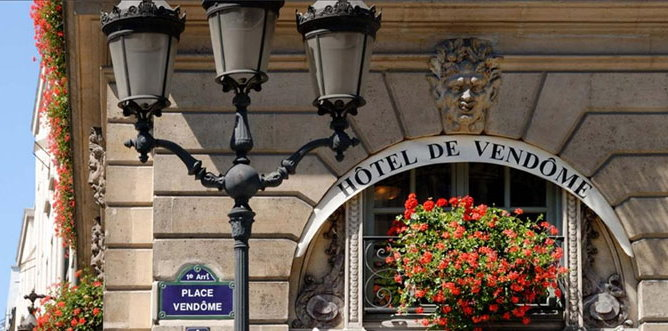 Hotel De Vendome Near Louvre Paris