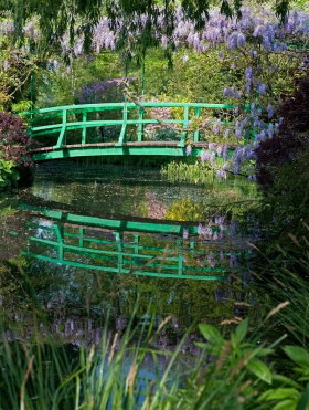The Japanese bridge was designed by Claude Monet