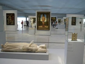 Louvre Lens collections