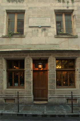 The House of Nicolas Flamel (1407) is the oldest in Paris