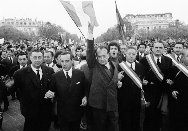 May 30 1968 demonstration on Champs Elysees