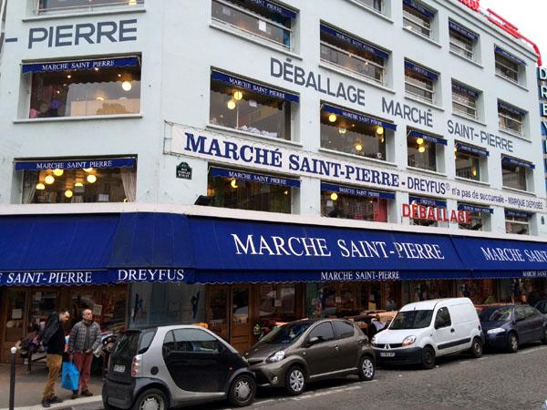 march saint pierre in montmartre. Black Bedroom Furniture Sets. Home Design Ideas