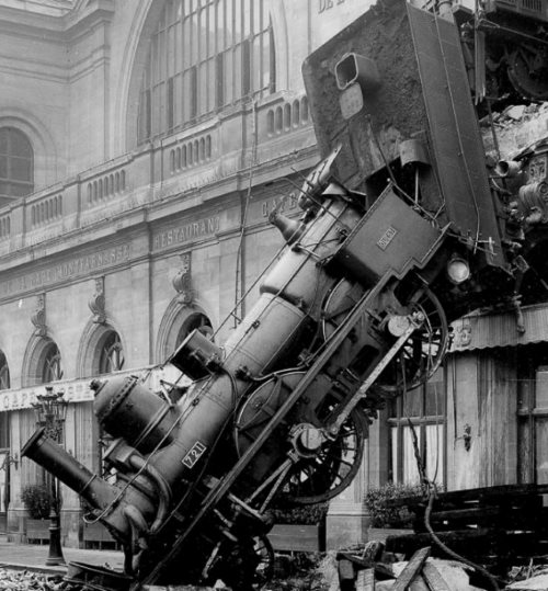 The spectacular 1895 Montparnasse station accident