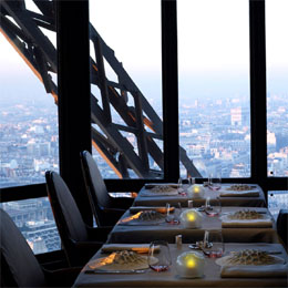 Best Paris restaurants: Le Jules Verne