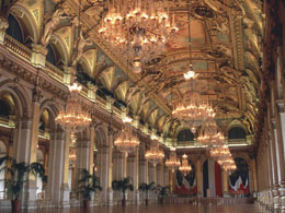 Salles des Fetes replicates Hall of Mirrors