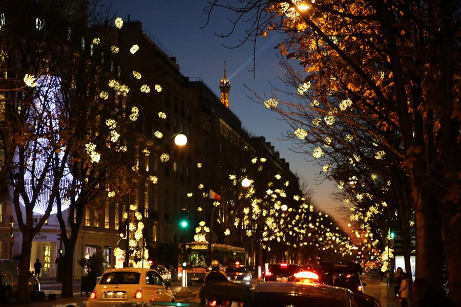 paris_nightlife_illuminations.jpg