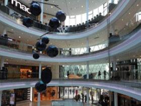 eiffel tower in paris visit shopping restaurants hotels. Black Bedroom Furniture Sets. Home Design Ideas