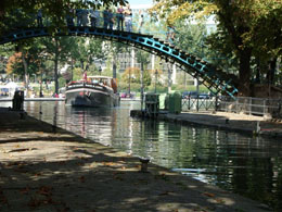 Paris sightseeing: Canal Saint Martin
