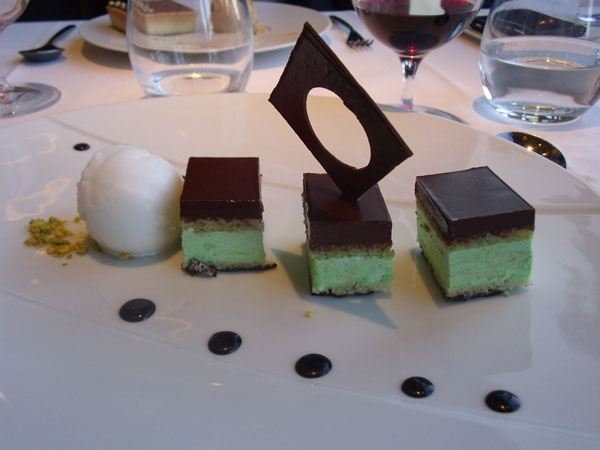 desert at Ciel de Paris