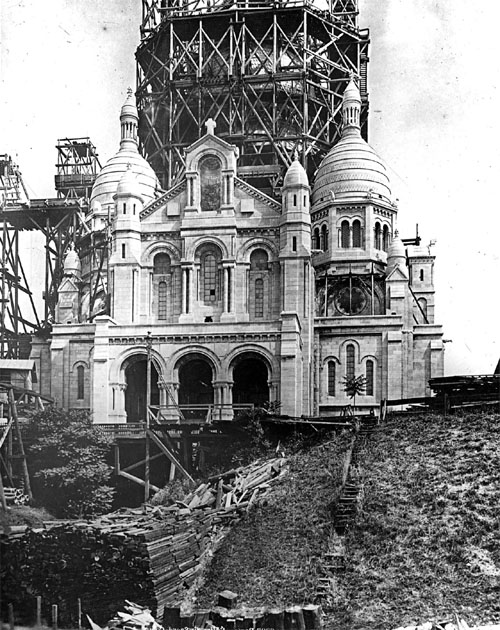 The construction of Sacre Coeur