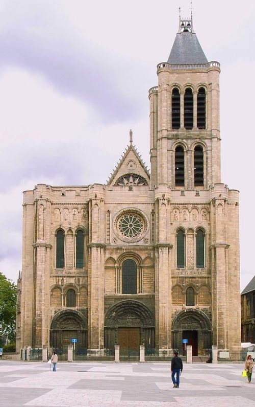 Saint Denis Cathedral is the shrine of French Kings