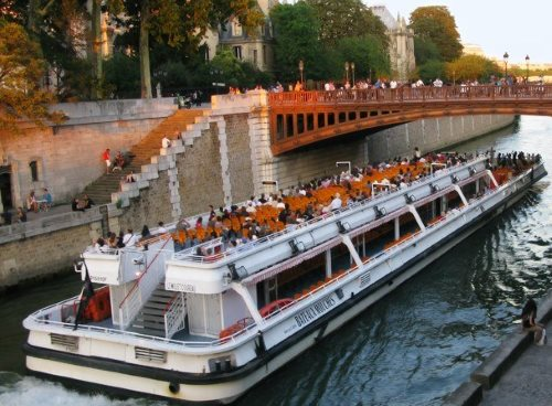 A Seine cruise is the most romantic tour in Paris