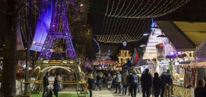 Christmas 2020 in Paris. Christmas dinner in Paris 2020.