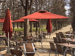 A cafe in Les Tuileries Gardens