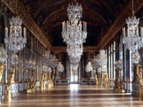 The Hall of Mirrors in Versailles Palace