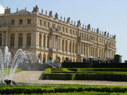 Versailles facts: Palace of Versailles seen from the Park